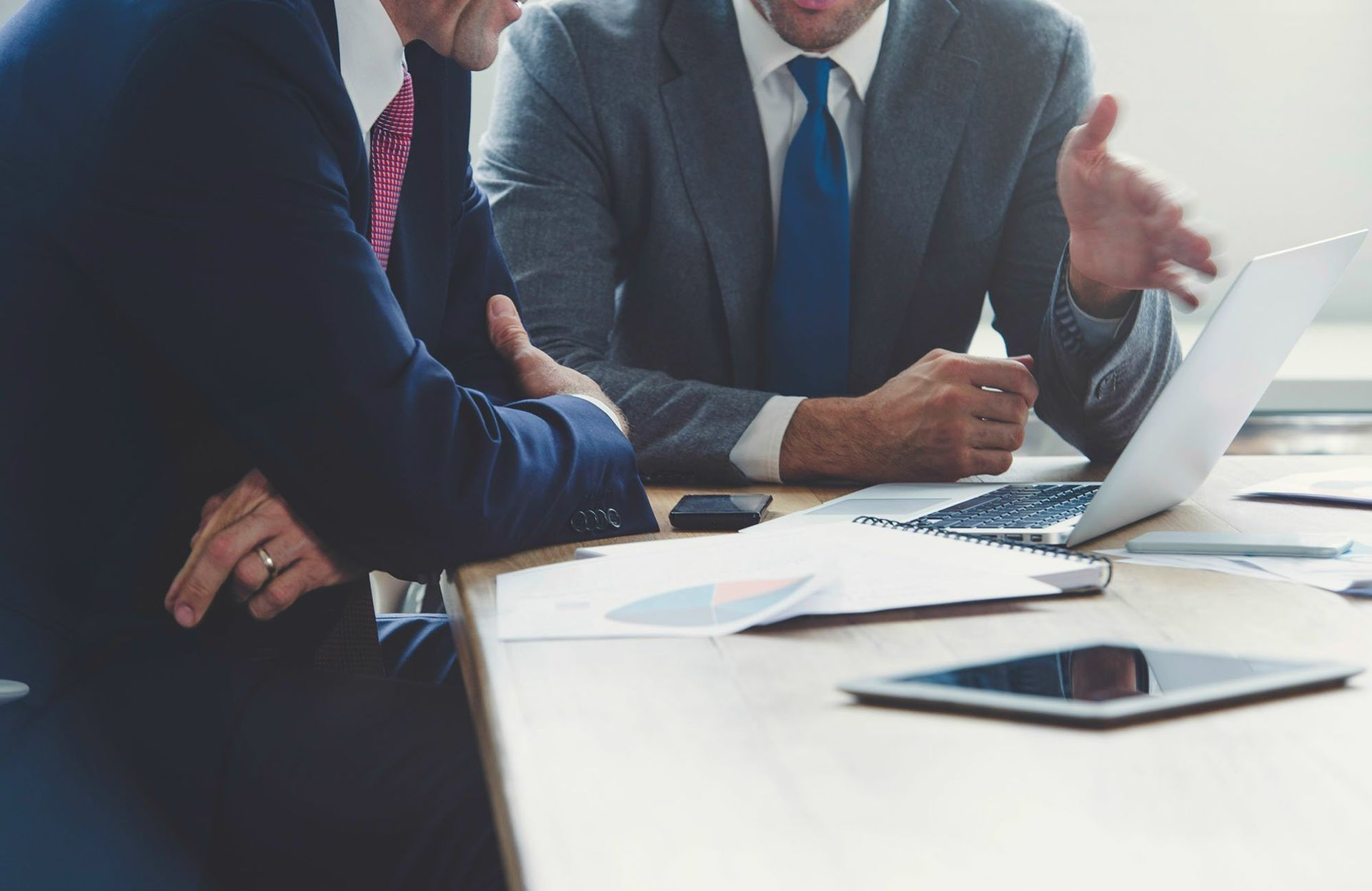 How To Manage A Lawyer That Has A Junior Law Firm Workers